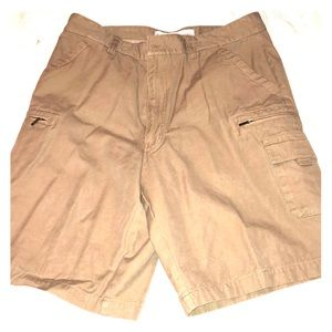 Perry Ellis Khaki Cargo Shorts. Size 36